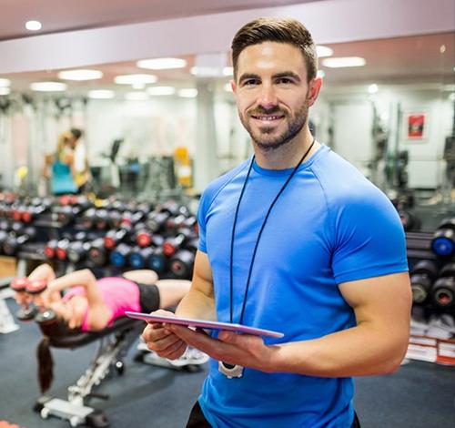 Тренер по фитнесу